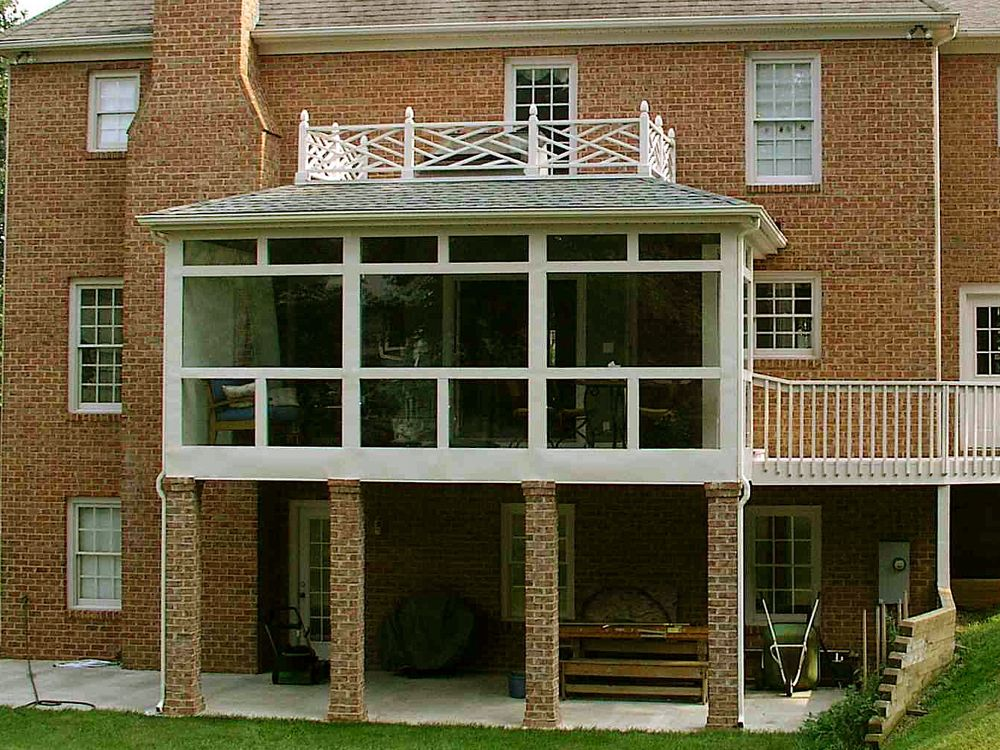 Sunrooms lynchburg the southern porch company for Porch sunroom