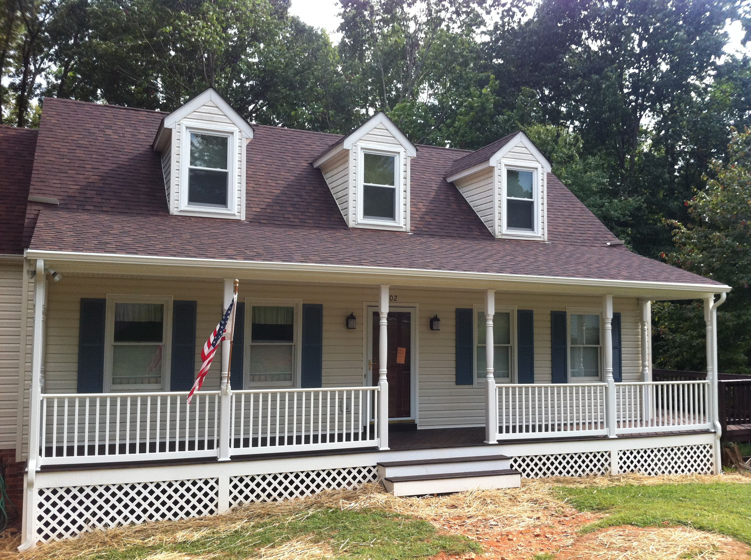 Front porches lynchburg the southern porch company for Southern front porches